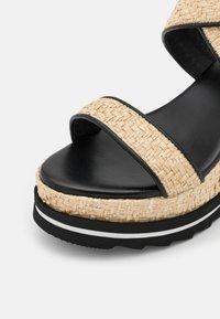 Marc Cain - WEDGES - Sandály na platformě - black - 6