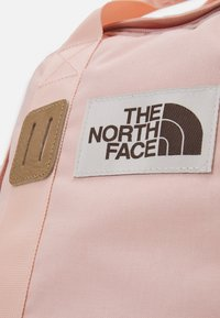 The North Face - TOTE PACK UNISEX - Rucksack - light pink/brown/off white - 5