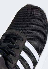 adidas Originals - LA TRAINER LITE SHOES - Sneakersy niskie - core black/ftwr white/core black