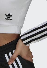 adidas Originals - LONG SLEEVE - Longsleeve - white - 5