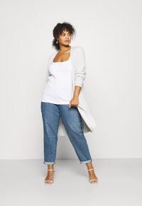 Levi's® Plus - HIGH WAISTED MOM - Jeans baggy - blue denim - 1