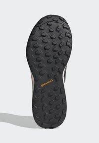 adidas Performance - TERREX AGRAVIC GORE-TEX BOOST TRAIL RUNNING - Løpesko for mark - black - 4