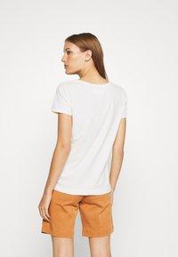 Mos Mosh - ARDEN O NECK TEE - Basic T-shirt - ecru - 2