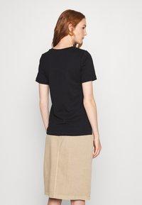 Zign - Basic T-shirt - black - 2