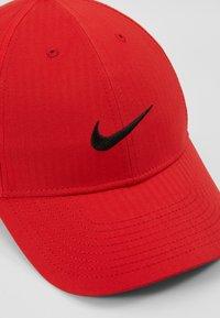 Nike Golf - TECH - Lippalakki - university red/anthracite/black - 2