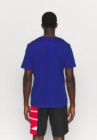 Outerstuff - NBA SPACE JAM 2 THE HOOK TEE - Print T-shirt - blue - 2