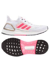 adidas Performance - ULTRABOOST SUMMER.RDY - Zapatillas de running estables - weiss/pink (979) - 4