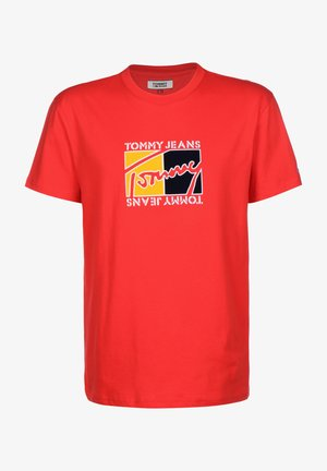 FLAG SCRIPT TEE - T-shirt con stampa - racing red