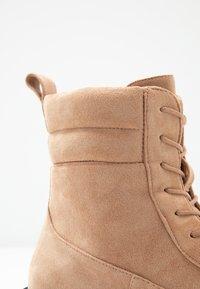 Glamorous Wide Fit - Kotníkové boty na platformě - tan - 2