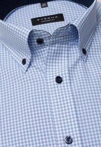 Eterna - REGULAR FIT - Shirt - light blue/white - 5