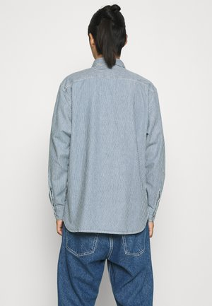 CLASSIC WORKER - Chemise - hickory rinse