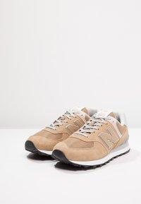 New Balance - ML574 - Trainers - hemp - 2