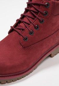 Timberland - ICONIC - Šněrovací kotníkové boty - dark red - 2