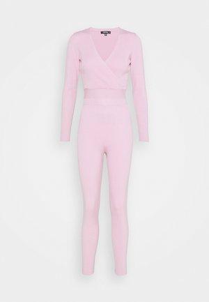 WRAP FRONT LONG SLEEVE SET - Leggings - pink