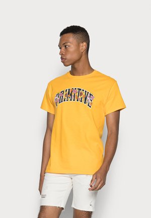 TOURNAMENT TEE - T-shirts med print - gold