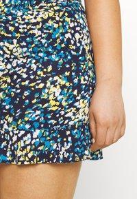 CAPSULE by Simply Be - CRINKLE SHIRRED WAIST FRIM HEM - Shorts - blue - 4