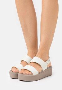 Crocs - BROOKLYN LOW WEDGE - Platform sandals - oyster - 0