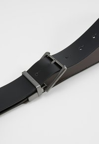 Calvin Klein - BUCKLES GIFTSET - Belt - black - 6