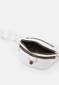 River Island - Bum bag - white - 2