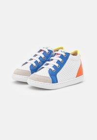 Shoo Pom - BOUBA ZIP BOX - Baby shoes - white/blue/orange - 1