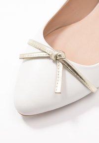 Anna Field - LEATHER BALLERINA - Ballet pumps - beige - 2