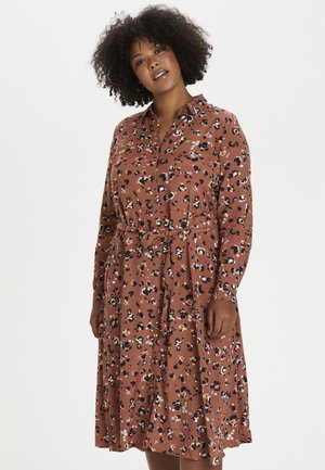 KCMILIANY - Shirt dress - russet creme chalk