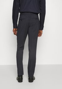 Selected Homme - SLIM FIT DOUBLE BREASTED SUIT - Oblek - dark blue/grey - 5