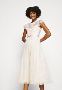 Needle & Thread - GISELLE BALLERINA DRESS EXCLUSIVE - Společenské šaty - champagne/pink - 2