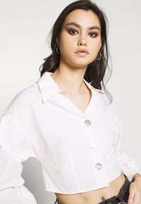 Who What Wear - THE WAISTED - Button-down blouse - parchment - 4