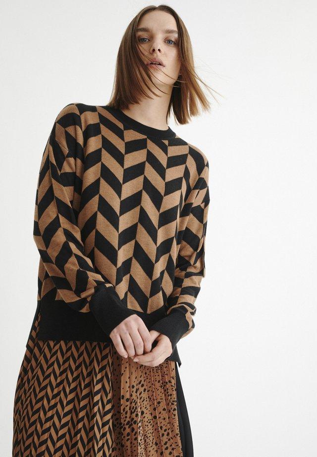 SANJAIW  - Maglione - black / winter beige