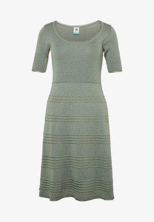 DRESS - Strikkjoler - green