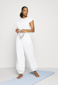 Free People - MOONPIE PANT - Trainingsbroek - white - 1