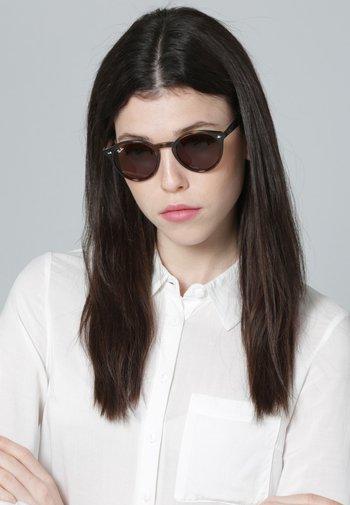 0RB2180 - Sunglasses - brown