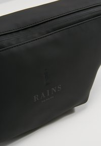 Rains - Riñonera - black - 7
