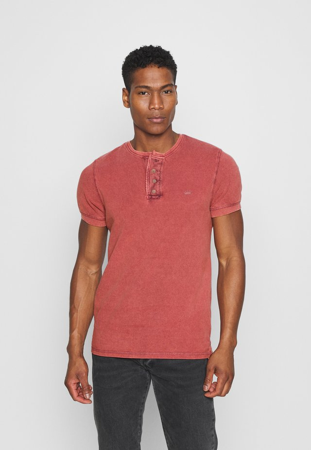 CAMILLO - T-shirt basic - red
