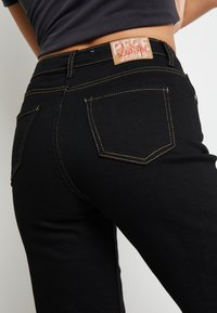Pepe Jeans - DUA LIPA X PEPE JEANS - Straight leg jeans - black - 3