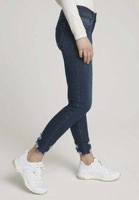 TOM TAILOR DENIM - Jeans Skinny Fit - used dark stone blue denim - 3