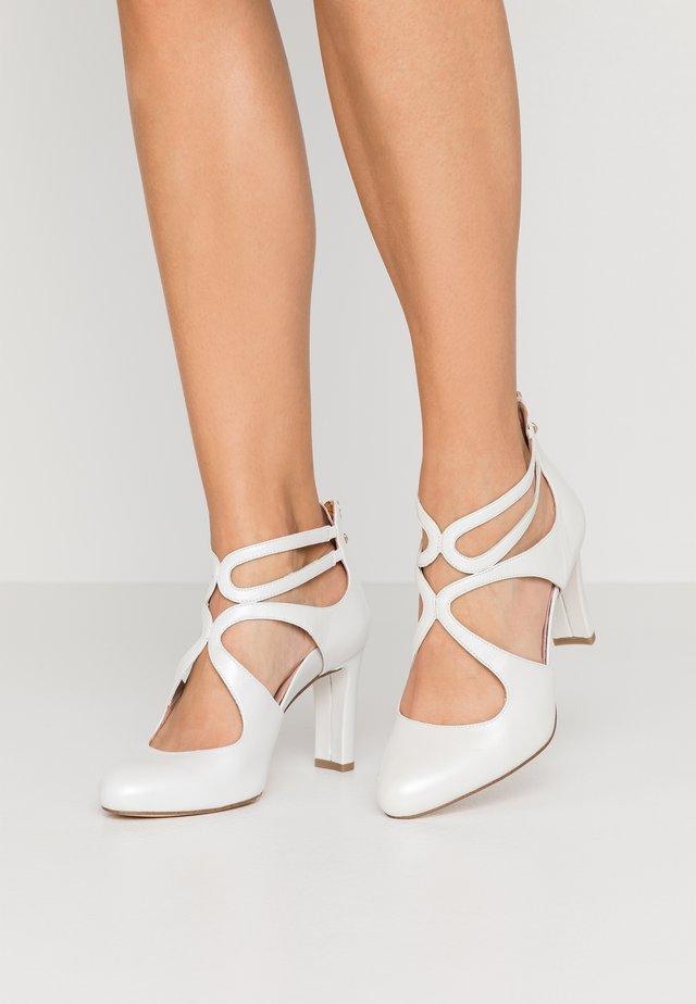 SLIP-ON - Klassieke pumps - white pearl