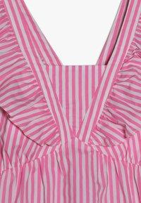 Scotch & Soda - CRISPY DRESS IN YARN DYED STRIPES - Korte jurk - pink/white - 4