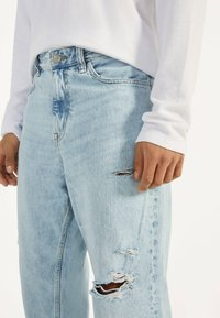 Bershka - Jeansy Relaxed Fit - blue - 3