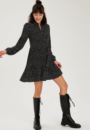 FIT AND FLARE - Shirt dress - black