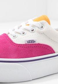 Vans - ERA PLATFORM - Trainers - multicolor/true white - 2
