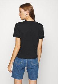 Calvin Klein Jeans - NEW YORK PRINT TEE - T-shirt z nadrukiem - black - 2