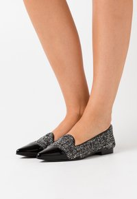 Chatelles - POINTY - Slip-ons - black - 0