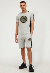 Glorious Gangsta - Shorts - grey/black - 1