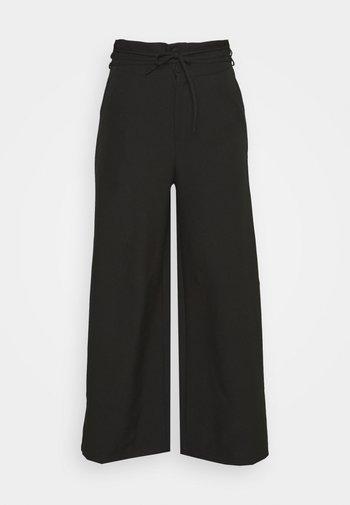DEEP WAIST BAND WIDE LEG TROUSER - Trousers - black
