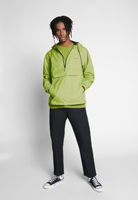 Obey Clothing - RECESS ANORAK - Chaqueta fina - key lime - 1