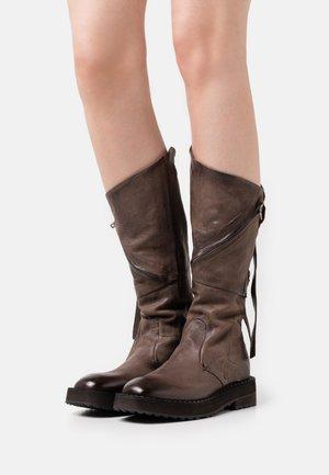 Platform boots - fondente