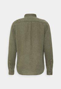 GAP - UTILITY - Shirt - army green - 1