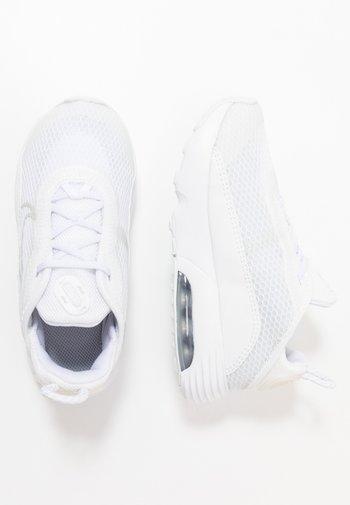 AIR MAX 2090 - Sneakers basse - white/black/wolf grey/pure platinum